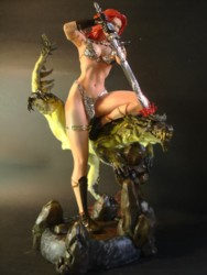 Red Sonja sculpture - Front