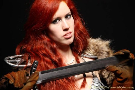 Jettie Monday as Red Sonja (Copyright Eric Fiallos)
